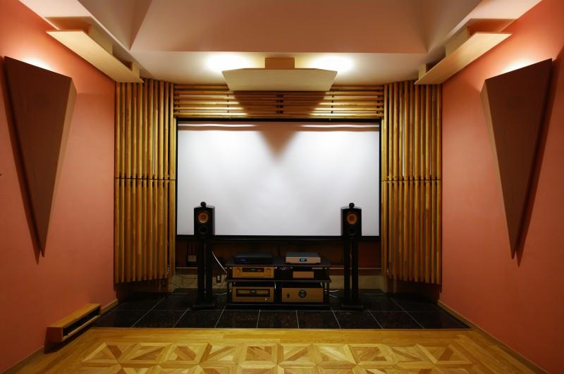 現代住宅構造におけるオーディオルームの音響的限界とその可能性